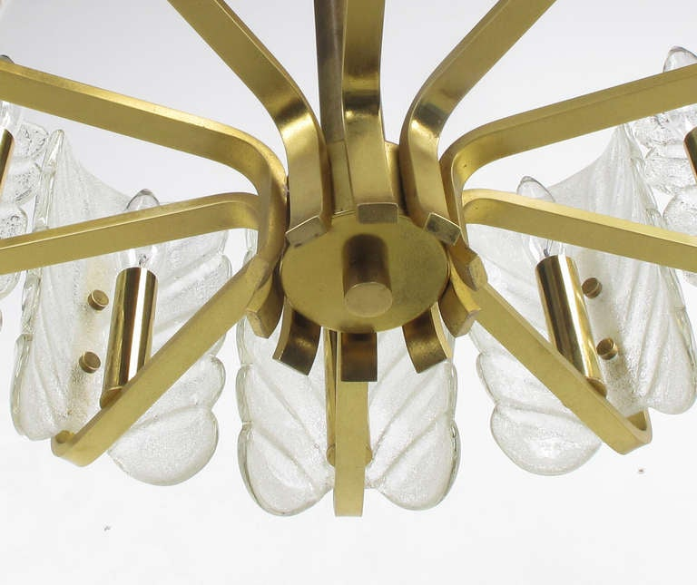 Murano Glass Acanthus Leaf and Brass Ten-Arm Chandelier For Sale 4