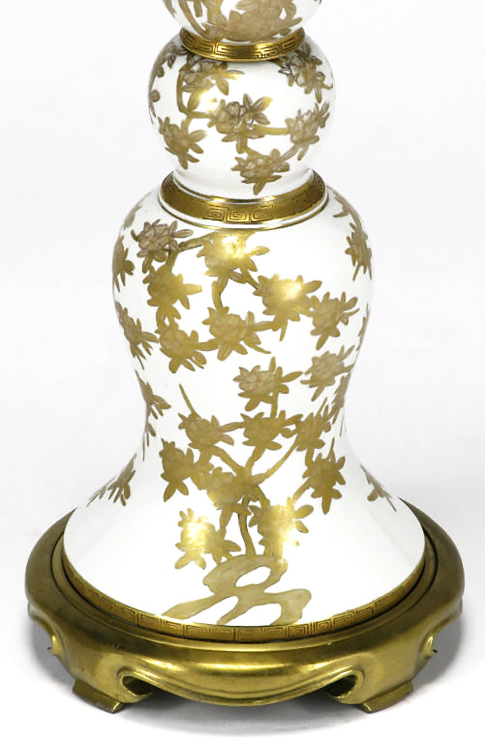 Marbro Hand-Painted Parcel-Gilt White Porcelain Table Lamp In Good Condition For Sale In Chicago, IL