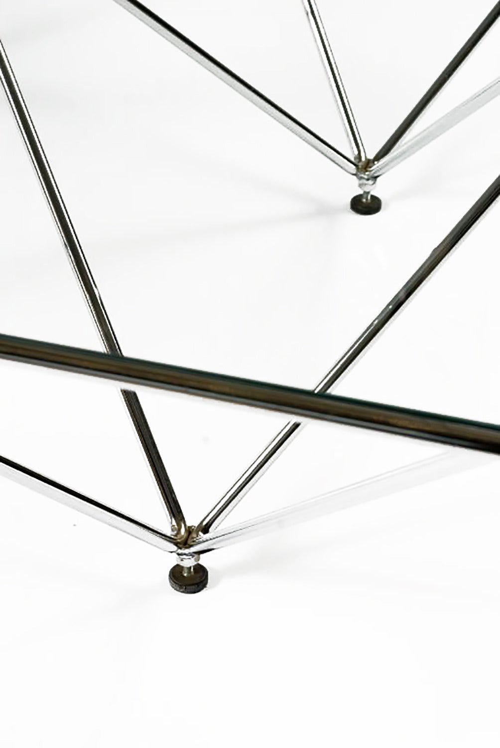 Chromed Steel Pyramidal Base Coffee Table after Paolo Piva In Good Condition For Sale In Chicago, IL