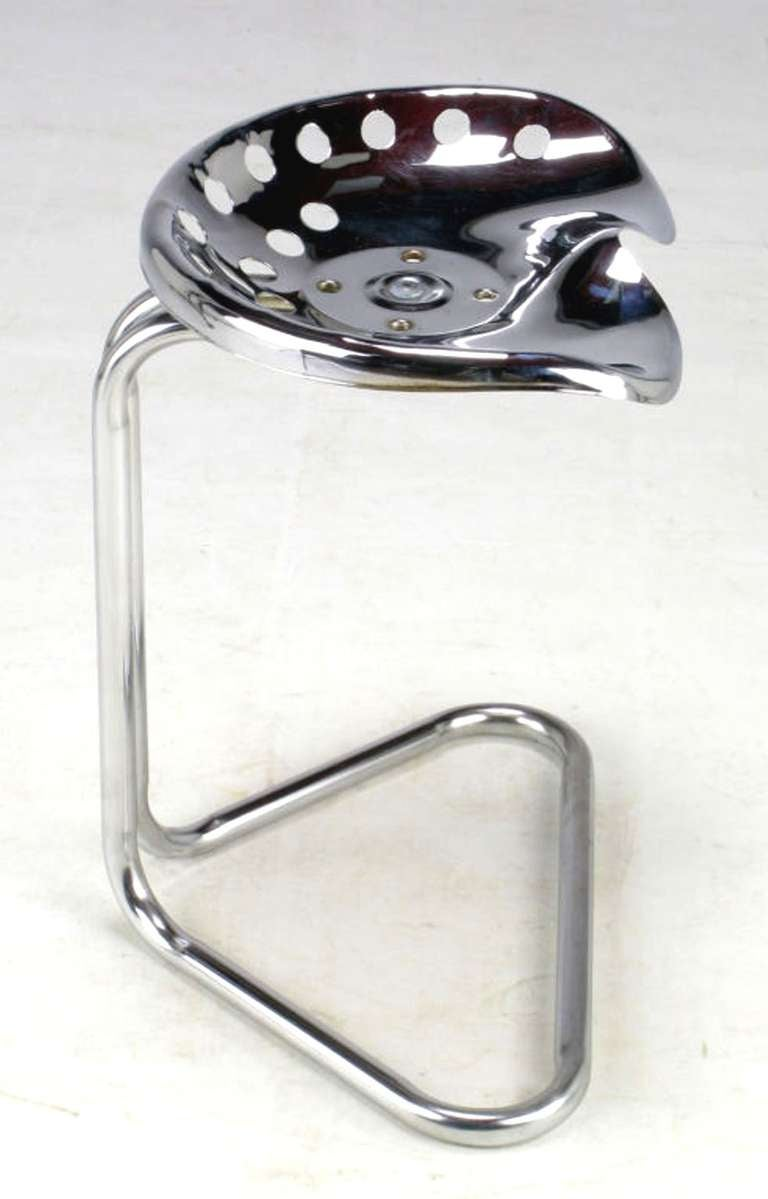 Cantilevered Chrome Tractor Seat Stool In Good Condition For Sale In Chicago, IL