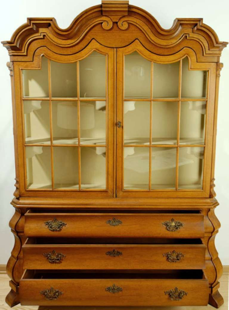American Dorothy Draper Viennese Collection Display Cabinet For Sale