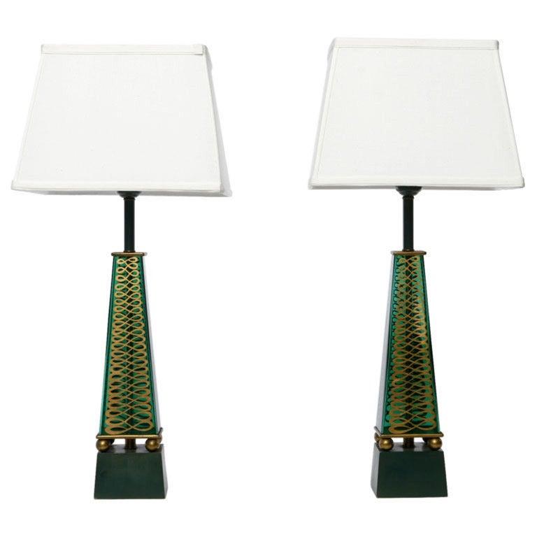 Pair of 1940s Lightolier Emerald Green Glass Obelisk Lamps For Sale