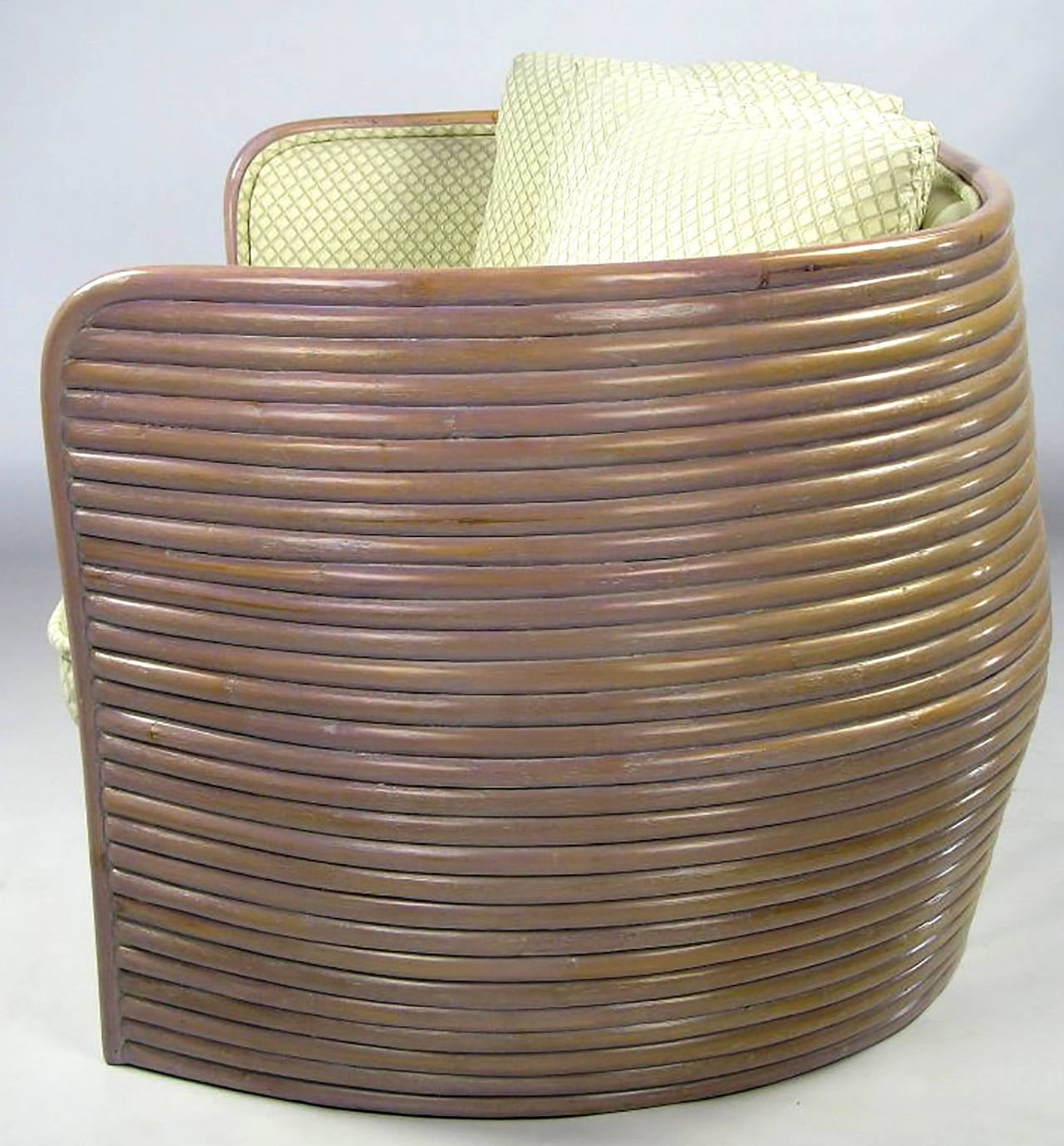 Baker Bombe Rattan Settee In Excellent Condition For Sale In Chicago, IL