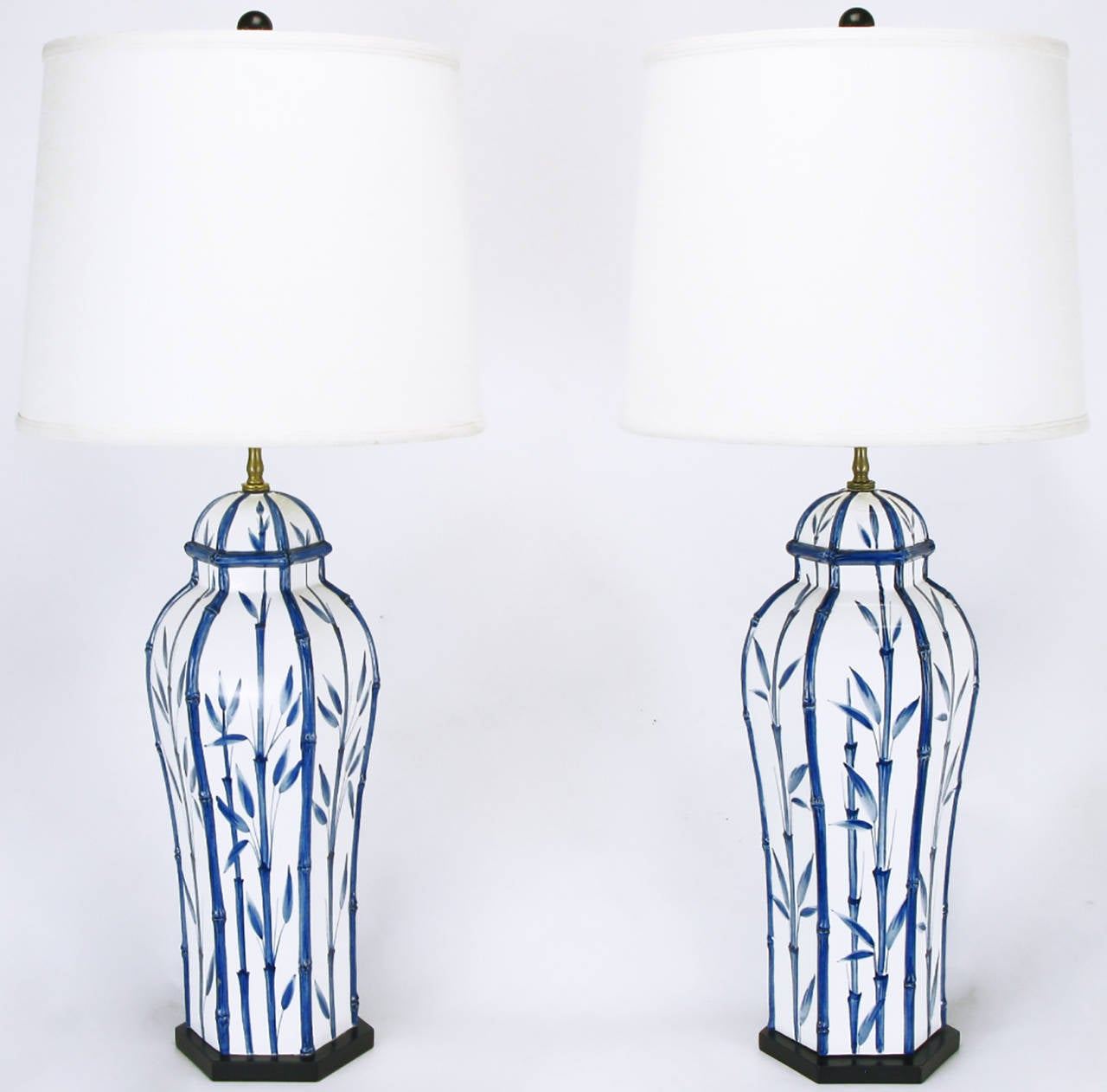 Pair of chapman white and blue ceramic ginger jar table lamps for pair of chapman white and blue ceramic ginger jar table lamps 2 geotapseo Gallery