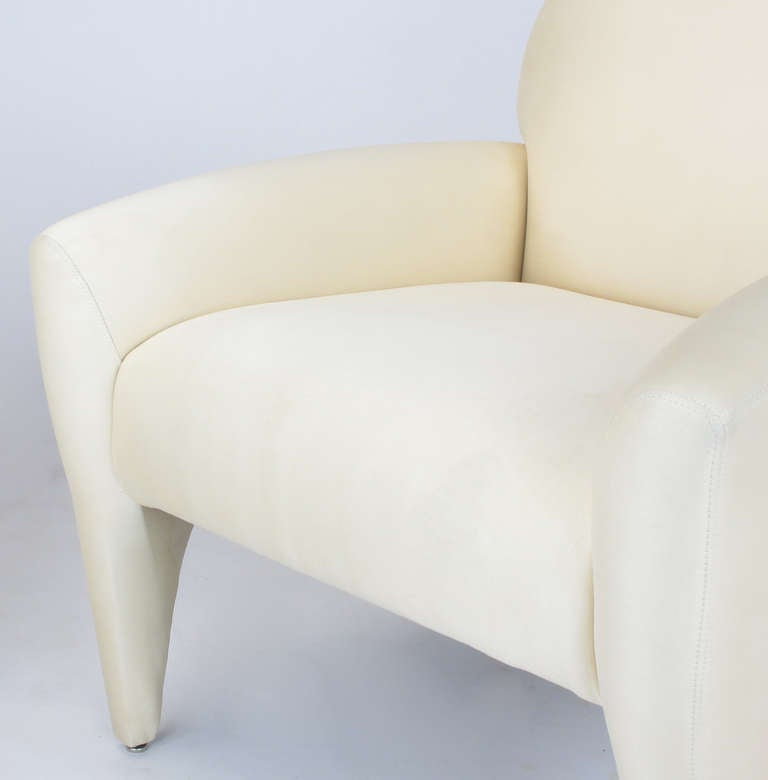 Pair of Vladimir Kagan Lounge Chairs in Ivory Silk 8