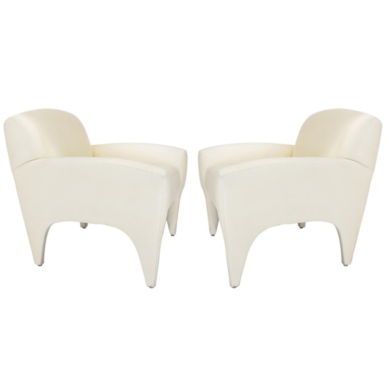 Pair of Vladimir Kagan Lounge Chairs in Ivory Silk 1