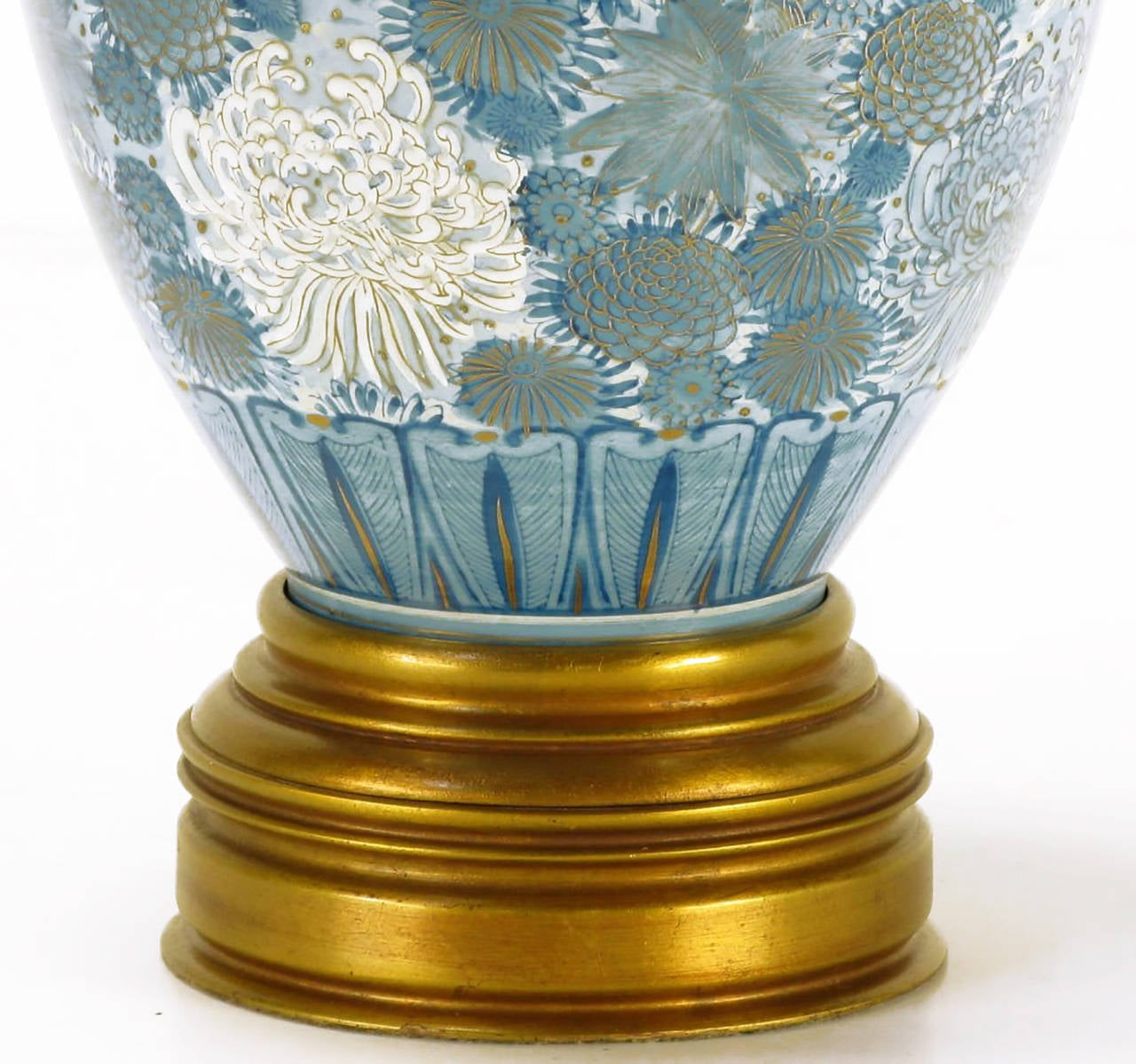 Marbro Hand-Painted Blue and White Chrysanthemum Table Lamp In Excellent Condition For Sale In Chicago, IL