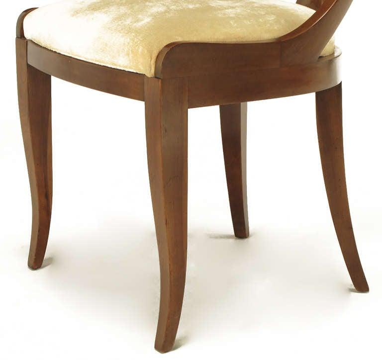 Four Kindel Walnut Regency Spoonback Dining Chairs 8