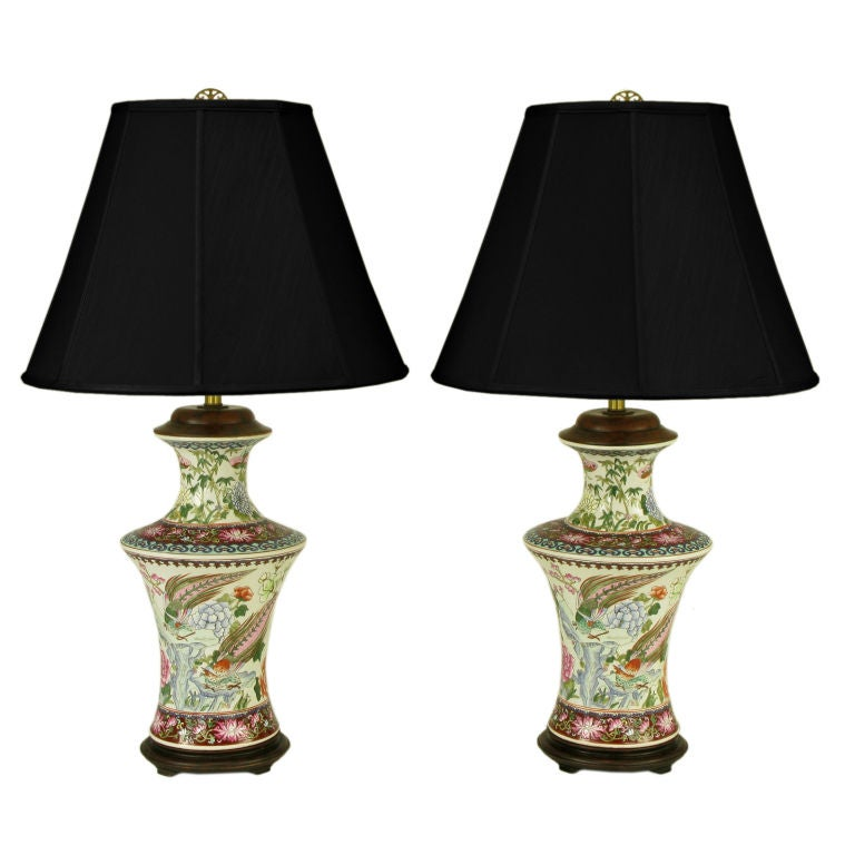 Pair Hand Painted Porcelain Chinoiserie Table Lamps 1