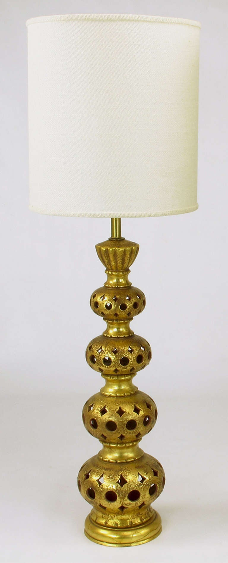 Pair of Nardi Studios Tall Pierced and Gilt Quadruple Gourd Ceramic Table Lamps In Excellent Condition For Sale In Chicago, IL