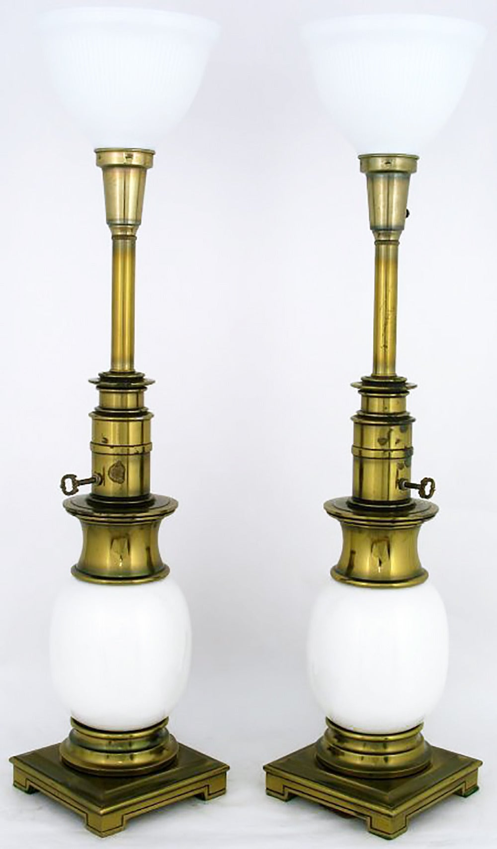 Attractive Pair Of Stiffel Ostrich Egg And Antique Brass Table Lamps 3