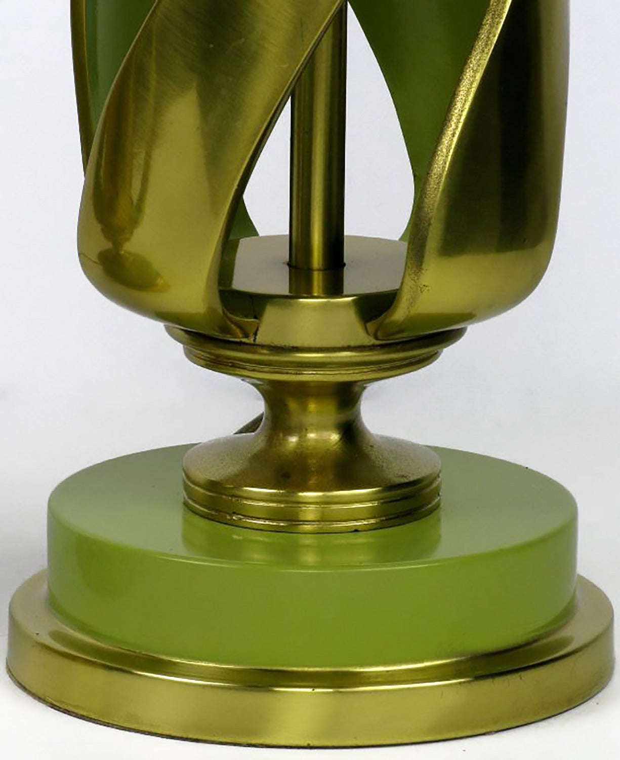 Pair of Rembrandt Stylized Pineapple Form Brass & Chartreuse Lacquer Table Lamps For Sale 1