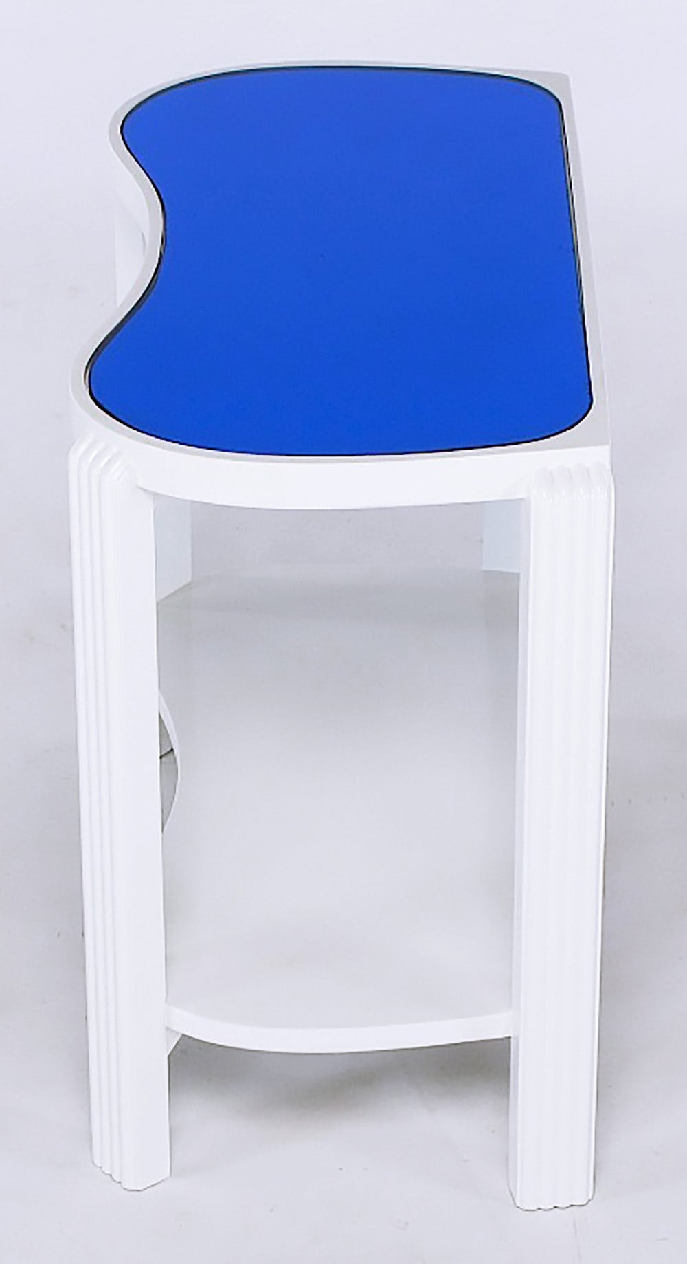 Mid-20th Century Pair of 1930s Art Deco White Lacquer and Blue Mirror Side Tables For Sale