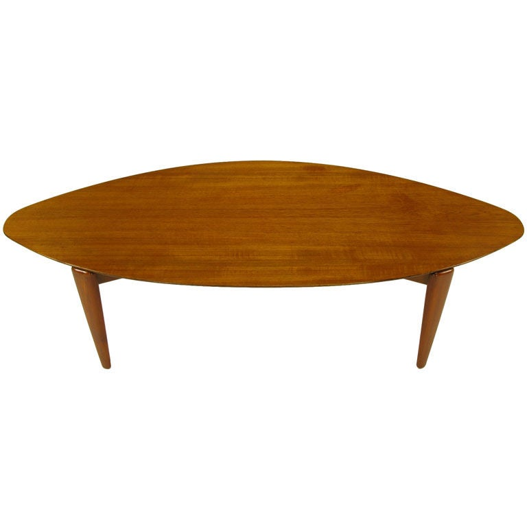 elliptical teak wood coffee table in the manner of finn juhl at 1stdibs. Black Bedroom Furniture Sets. Home Design Ideas