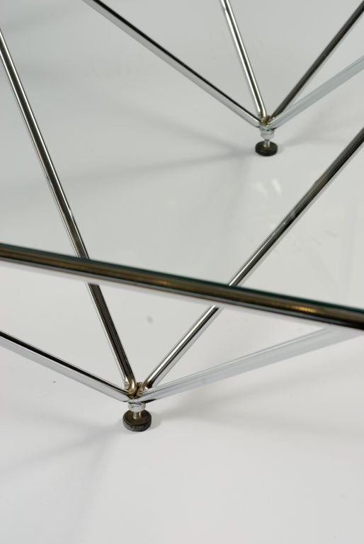 20th Century Chromed Steel Pyramidal Base Coffee Table After Paolo Piva For Sale