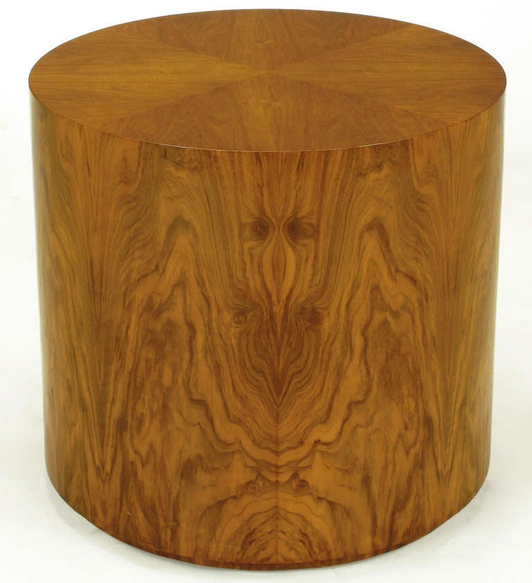 Highly Figured Walnut Pedestal Coffee Table In Excellent Condition For Sale In Chicago, IL