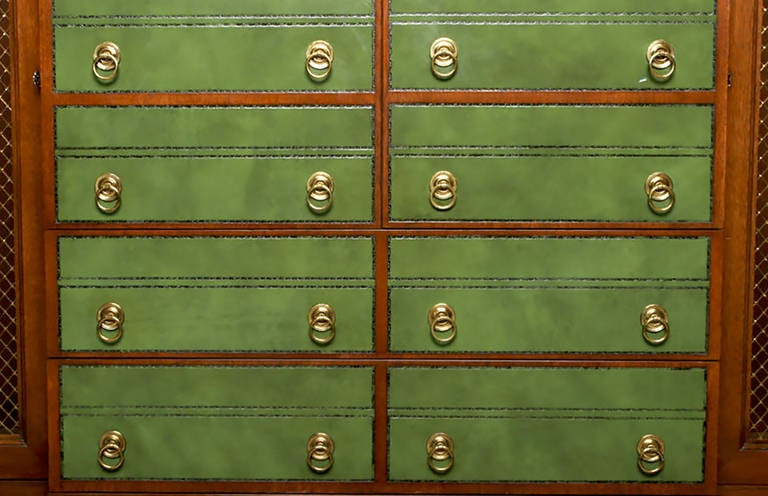 Renzo Rutili Green Leather and Mahogany Breakfront Library Cabinet with Desk In Good Condition For Sale In Chicago, IL