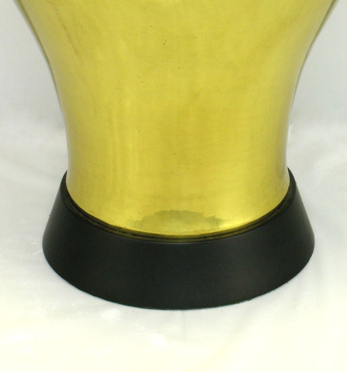 Pair of Grand Scale Urn-Form Brass Table Lamps For Sale 1