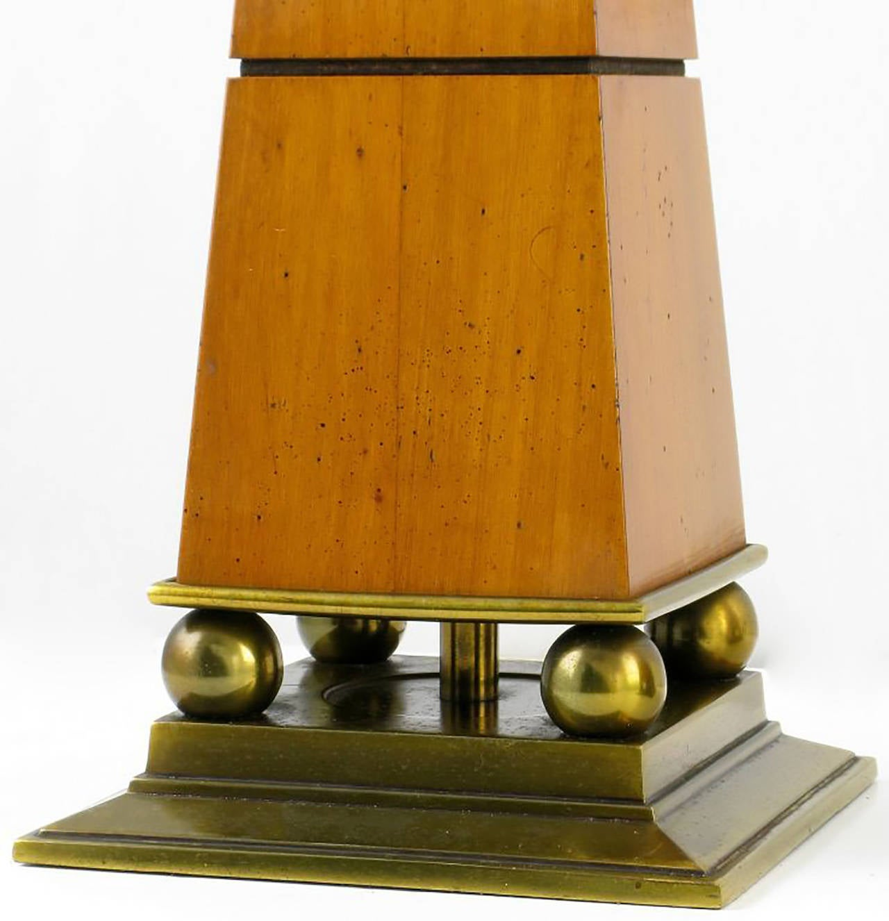 Mid-20th Century Elegant Pair of Stiffel Walnut and Brass Obelisk Table Lamps For Sale