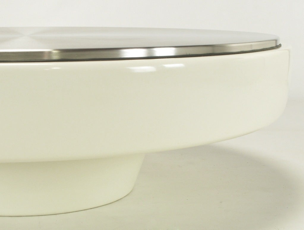 Vecta Round White Fiberglass And Stainless Steel Coffee Table At 1stdibs