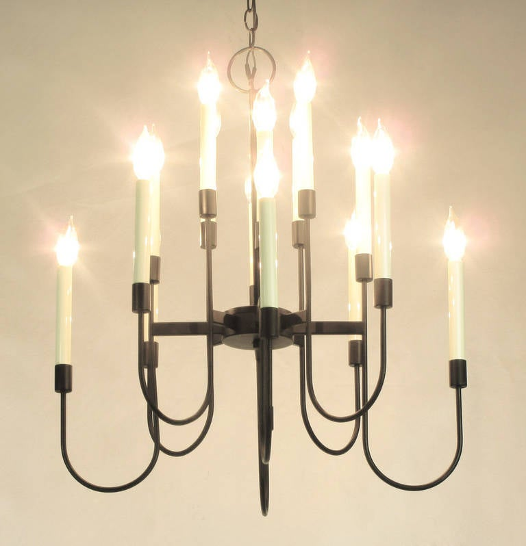 Lightolier Sixteen-Arm, Black Lacquer Chandelier In Good Condition For Sale In Chicago, IL