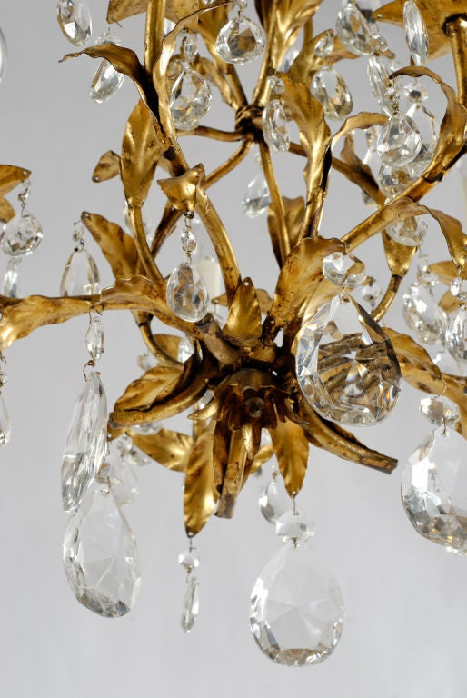 Mid-20th Century 1940s Gilt Tole and Crystal Italian Chandelier For Sale