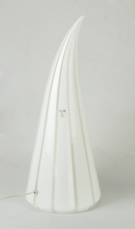 20th Century Murano Glass White and Clear Striped Art Glass Lamp For Sale