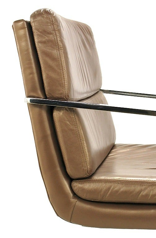 Pair of Pace Chrome and Mocha Leather Cantilevered Armchairs For Sale 3