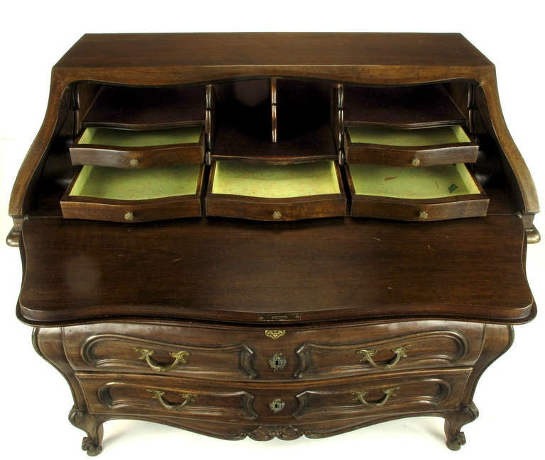 Italian Walnut Drop-Front Bombe Secretary in Louis XV Style In Excellent Condition For Sale In Chicago, IL