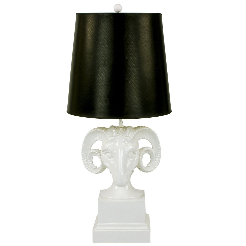 chapman white ceramic ram 39 s head table lamp at 1stdibs. Black Bedroom Furniture Sets. Home Design Ideas