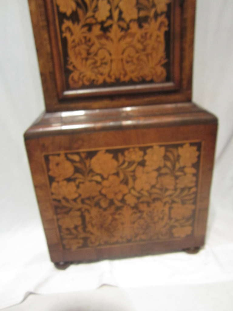 17th Century Walnut and Marquetry Longcase Clock In Excellent Condition For Sale In East Hampton, NY