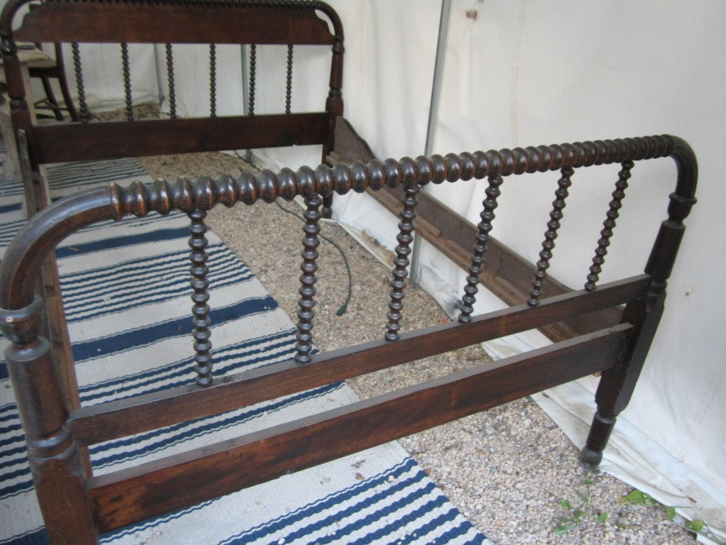 Antique Spool Bed At 1stdibs