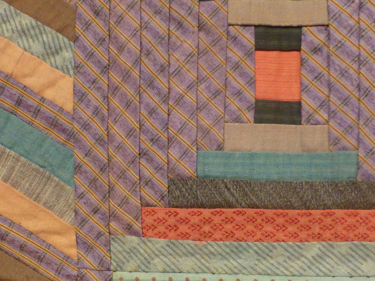 """Log Cabin-Courthouse Steps"" Antique Quilt 2"