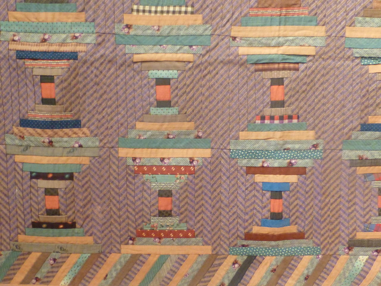 """Log Cabin-Courthouse Steps"" Antique Quilt 3"