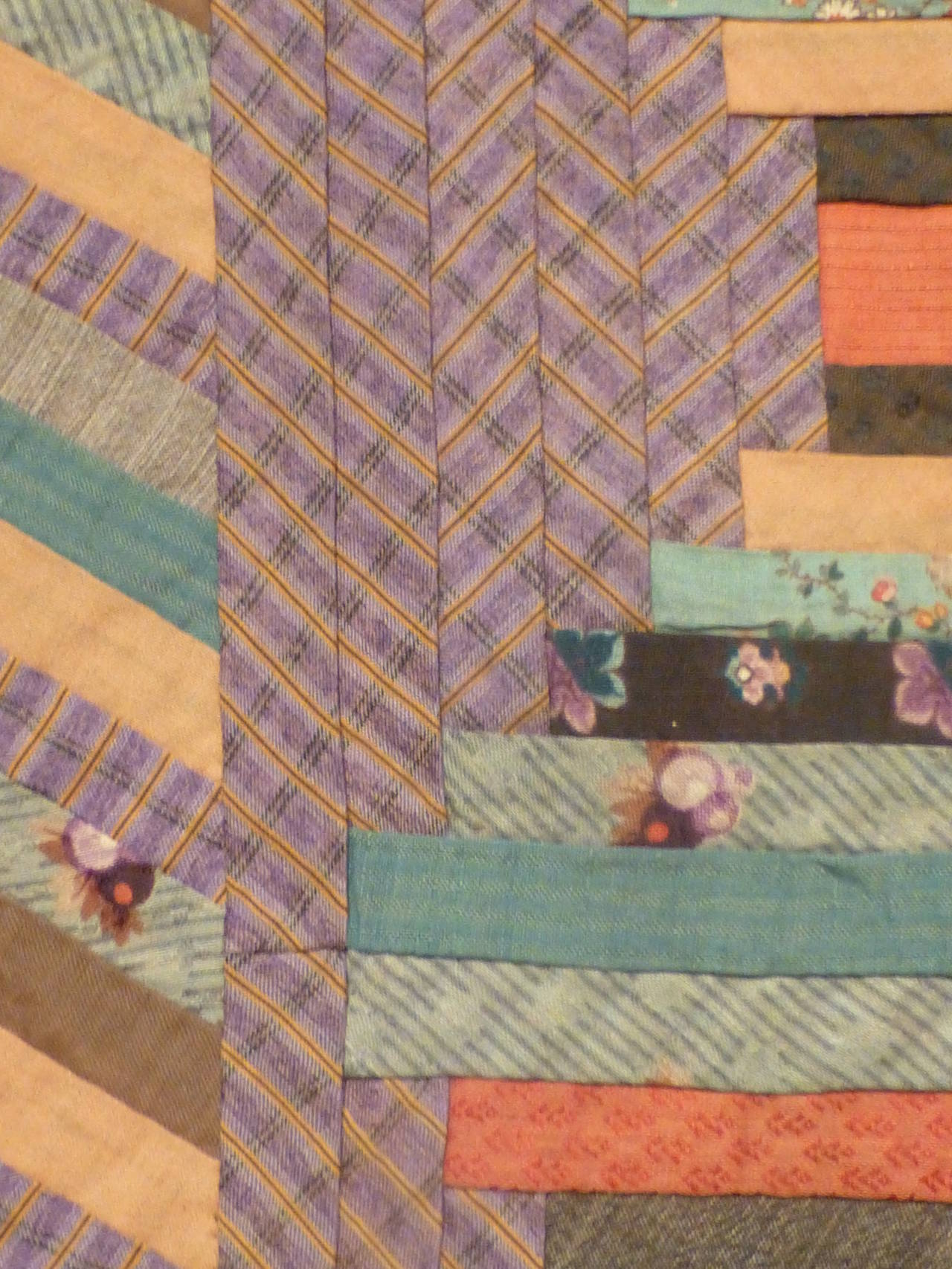 """Log Cabin-Courthouse Steps"" Antique Quilt 5"