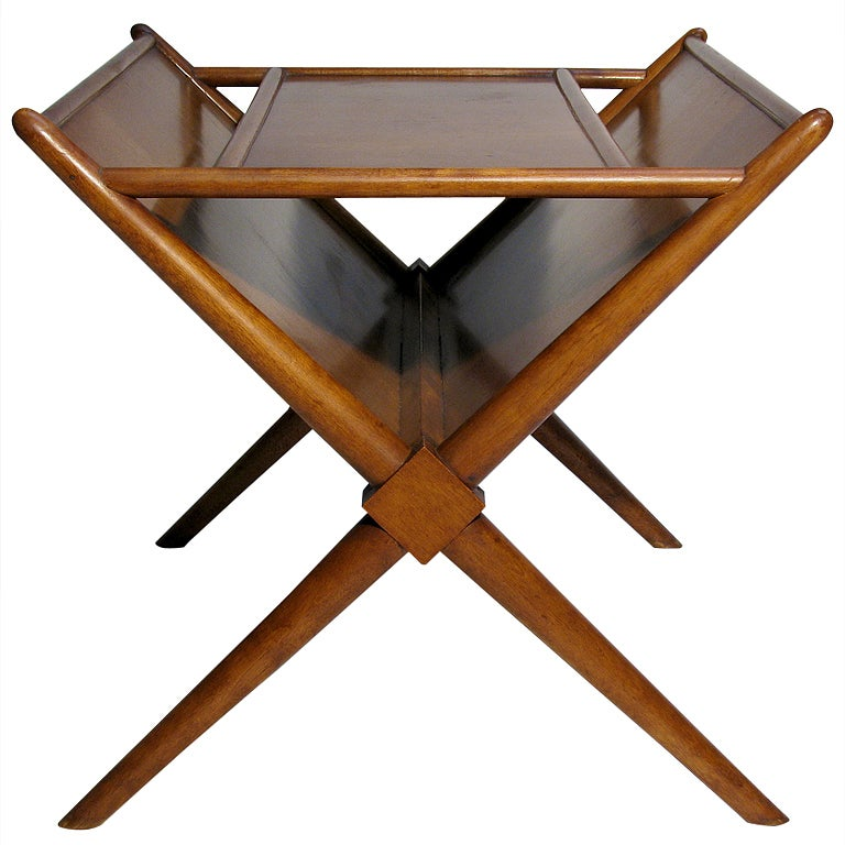 A walnut magazine table by t h robsjohn gibbings at 1stdibs for 13 a table magasin