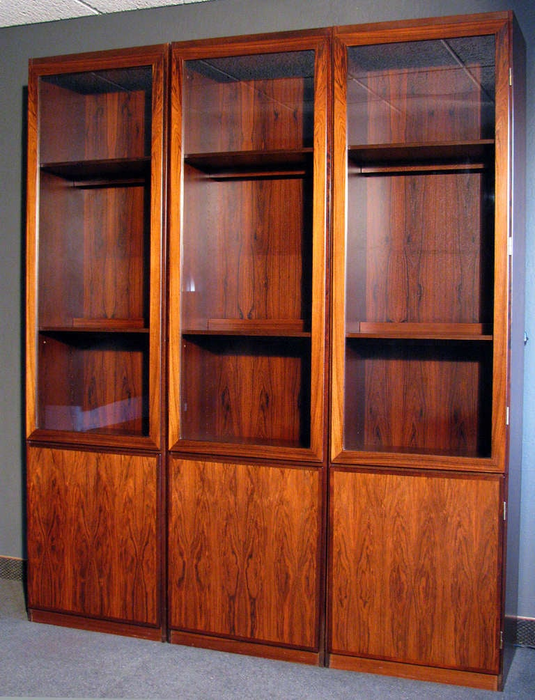 danish modern rosewood vitrines at 1stdibs. Black Bedroom Furniture Sets. Home Design Ideas