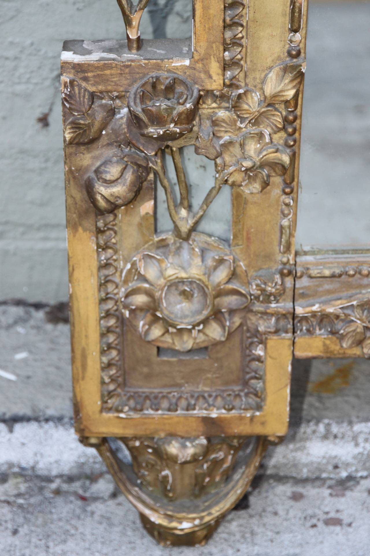 19th Century Italian Carved Giltwood Mirror For Sale 1