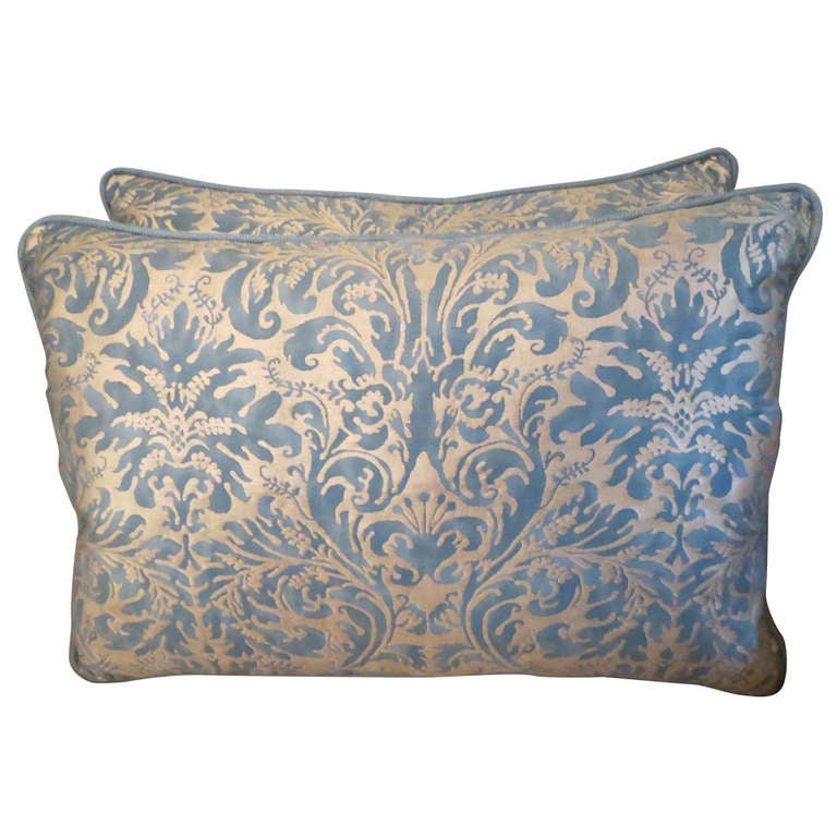 Pair of blue and gold fortuny pillows at 1stdibs for Blue and gold pillows