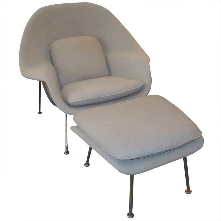 eero saarinen womb chair and ottoman for knoll international at 1stdibs. Black Bedroom Furniture Sets. Home Design Ideas