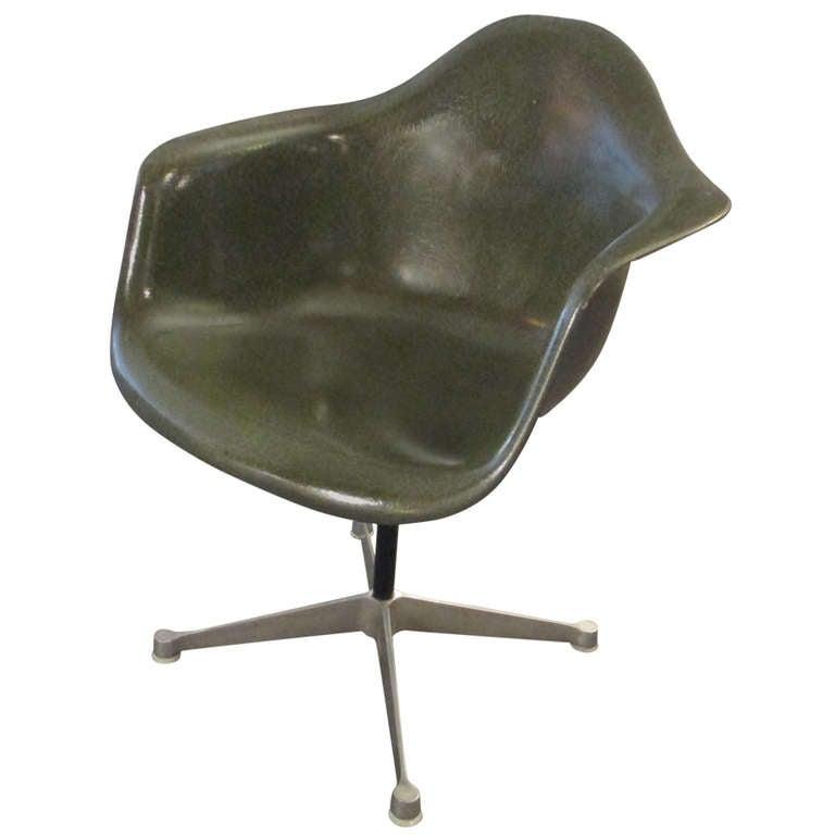 Charles Eames For Herman Miller Swivel Desk Chair At 1stdibs