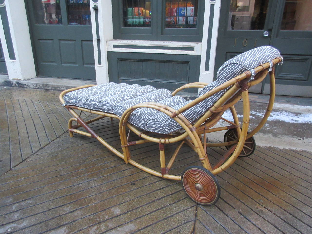 1930s rattan chaise longue at 1stdibs for Cane chaise longue