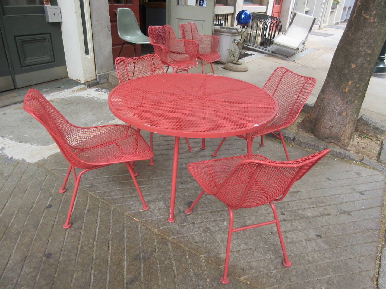 Russell woodard outdoor sculptura furniture at 1stdibs for Woodard patio furniture