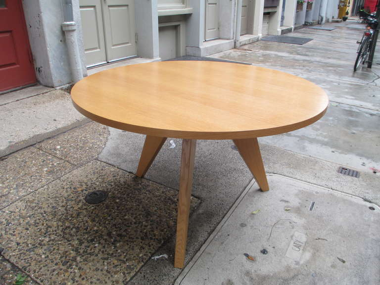 Jean Prouve Gueridon Round Dining Table for Vitra at 1stdibs : IMG42031l from www.1stdibs.com size 768 x 576 jpeg 57kB