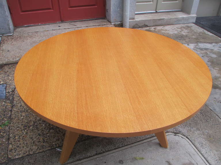 Jean Prouve Gueridon Round Dining Table for Vitra at 1stdibs : IMG42041l from www.1stdibs.com size 768 x 576 jpeg 46kB