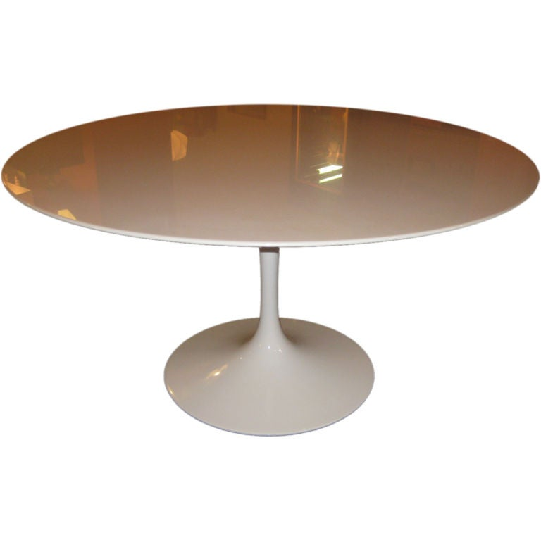 Eero saarinen 54 inch marble knoll dining table at 1stdibs for Dining room tables 54 inches long