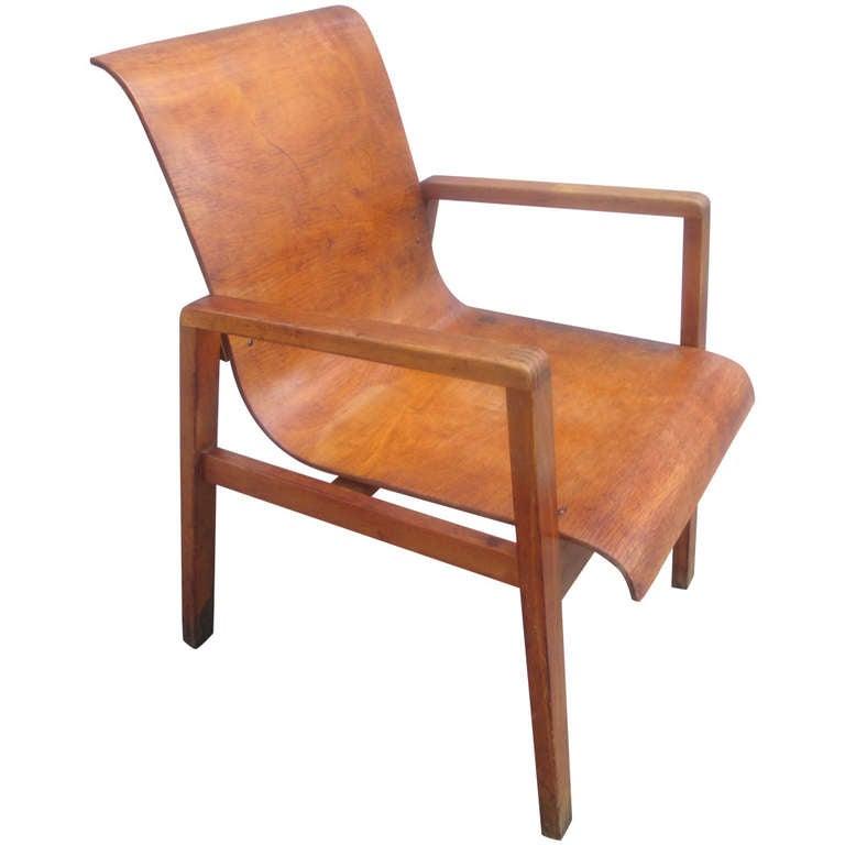 Alvar aalto hallway chair at 1stdibs for Alvar aalto chaise