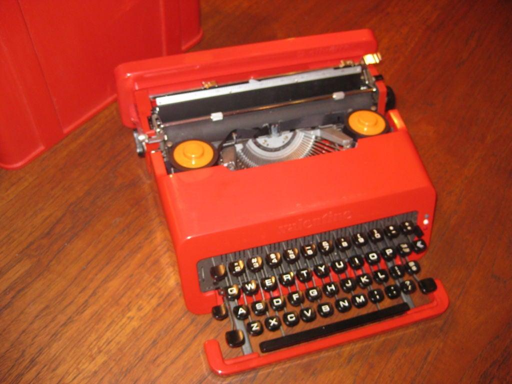 Italian Ettorre Sottsass Valentine Olivetti Portable Typewriter For Sale
