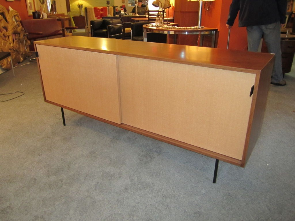 florence knoll credenza for knoll associates at 1stdibs. Black Bedroom Furniture Sets. Home Design Ideas