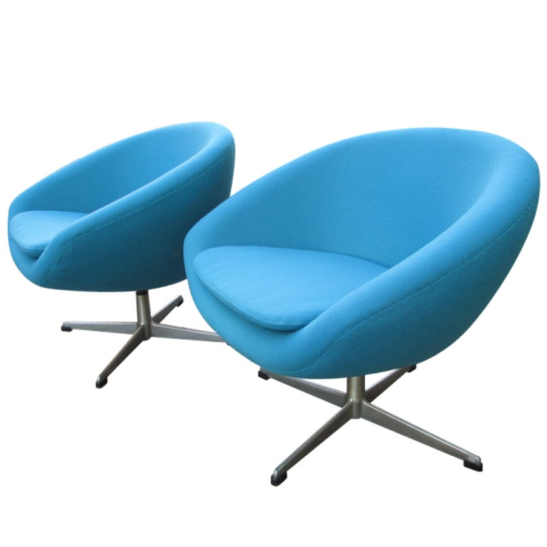 Pair Of Overman Swivel Chairs From Sweden At 1stdibs